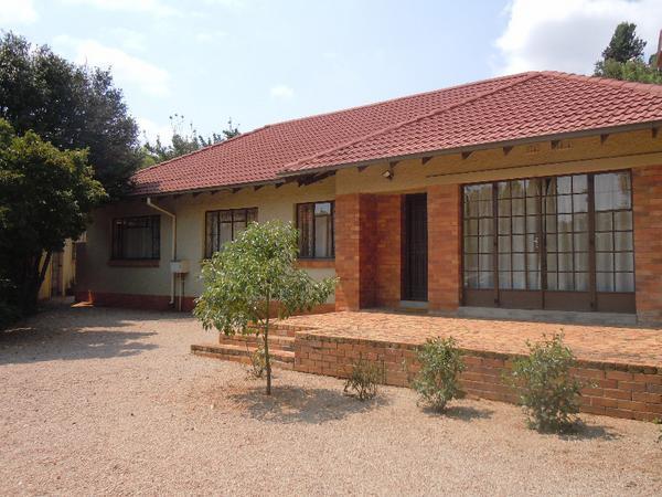 Property For Sale in Roosevelt Park, Johannesburg