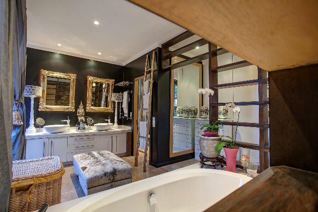 Property For Sale in Craighall, Johannesburg 7