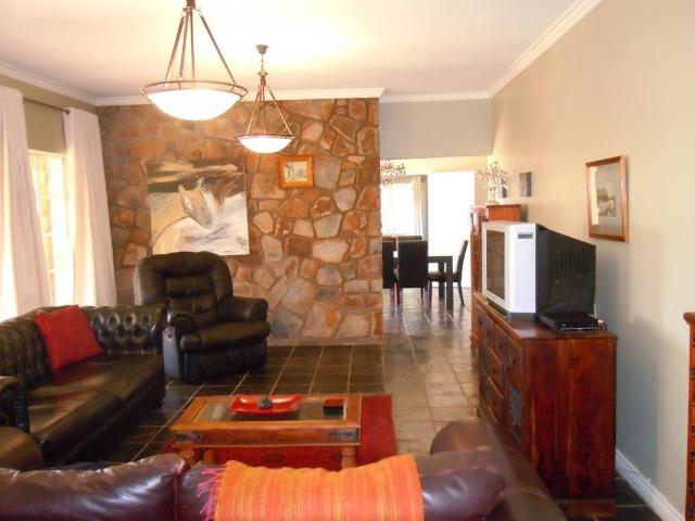 Property For Sale in Northcliff, Johannesburg 3