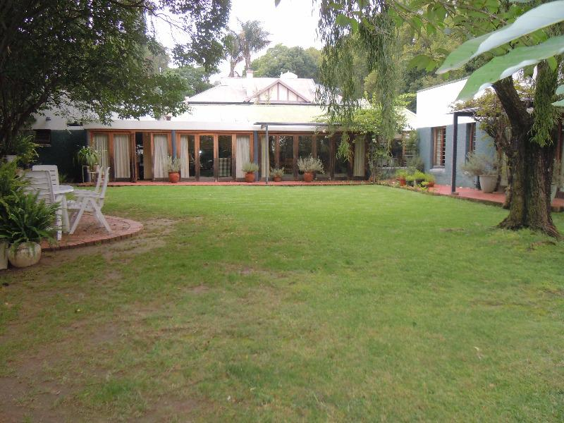 Property For Sale in Forest Town, Johannesburg 7
