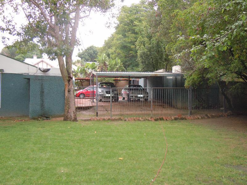 Property For Sale in Forest Town, Johannesburg 10