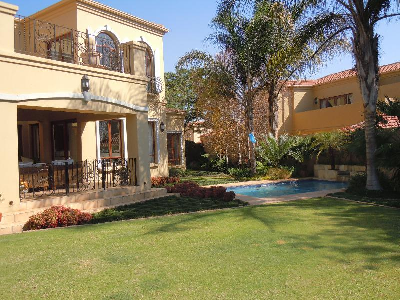 Property For Sale in Lonehill, Sandton 9