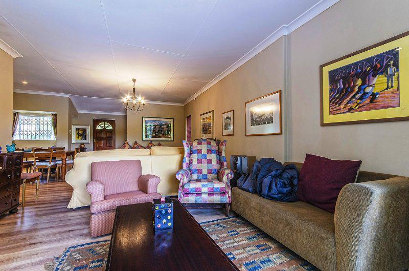 Property For Sale in Craighall Park, Johannesburg 9