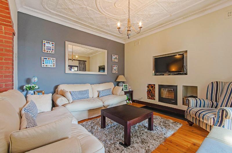 Property For Sale in Parkhurst, Johannesburg 7