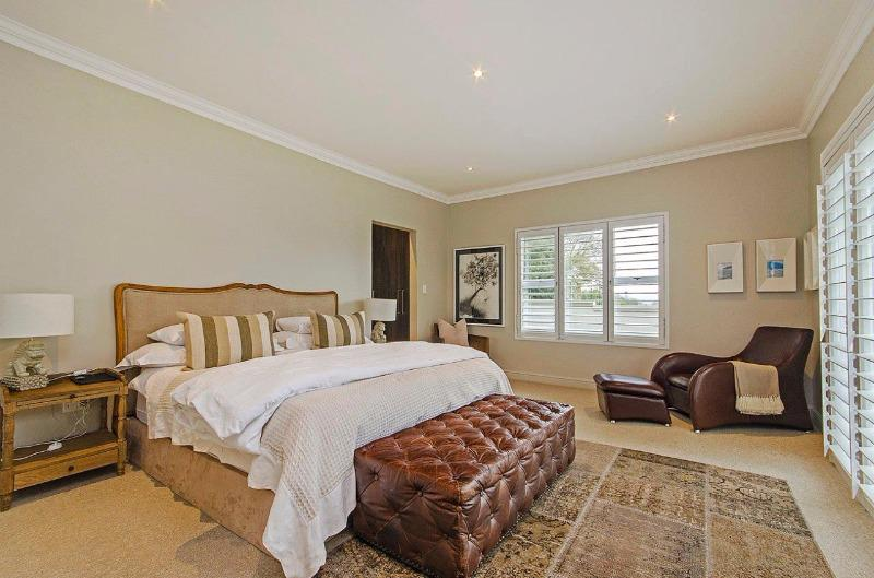 Property For Sale in Craighall Park, Johannesburg 10