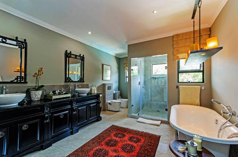 Property For Sale in Parkhurst, Johannesburg 16