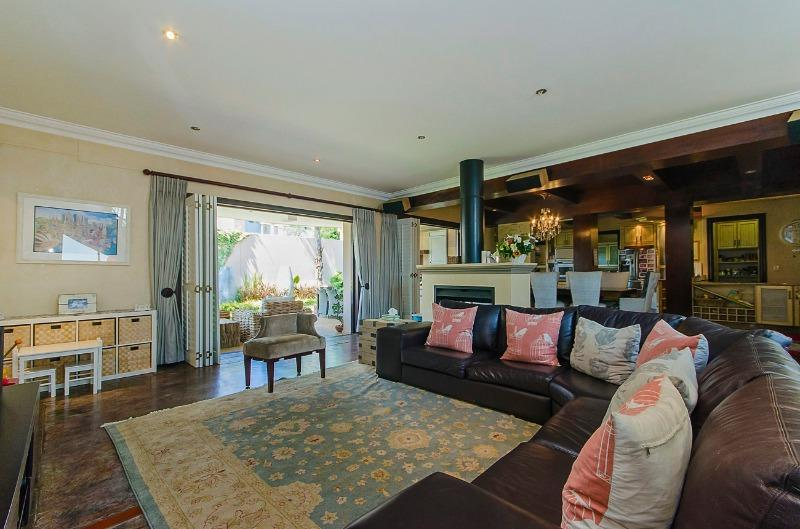 Property For Sale in River Club, Sandton 5