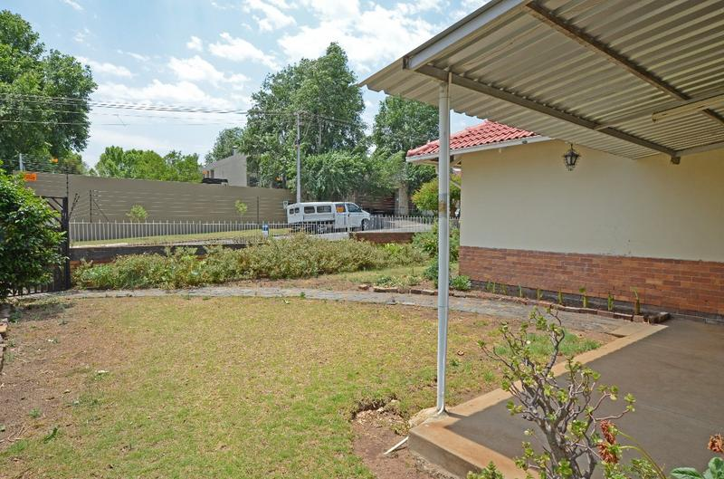 Property For Sale in Parkhurst, Johannesburg 2