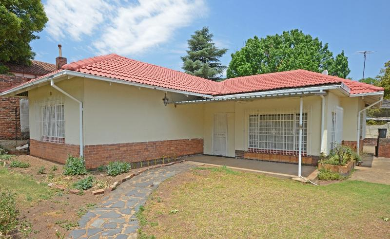 Property For Sale in Parkhurst, Johannesburg 1