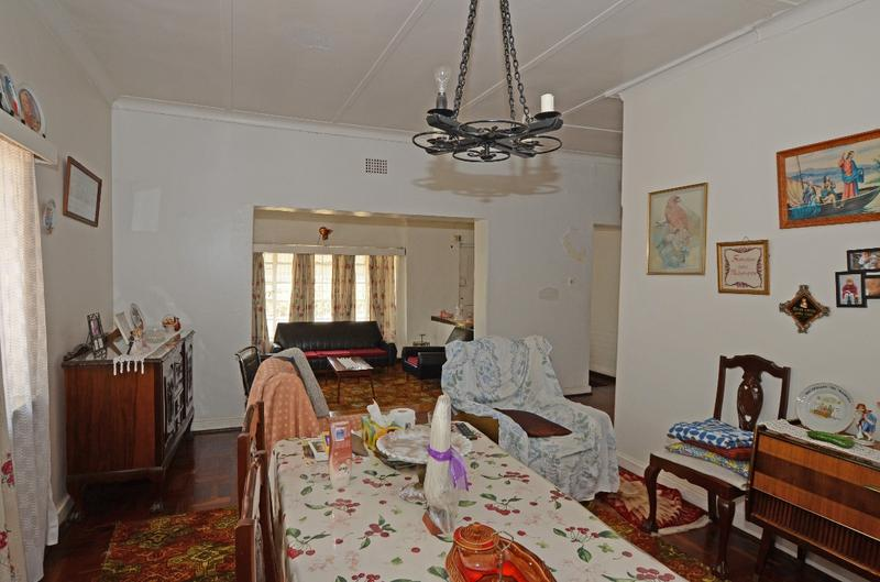 Property For Sale in Parkhurst, Johannesburg 4