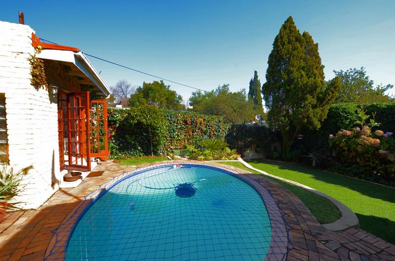 Property For Sale in Parkhurst, Johannesburg 3