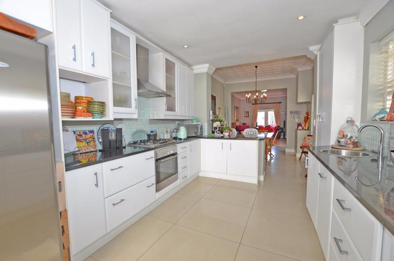Property For Rent in Parkhurst, Johannesburg 7