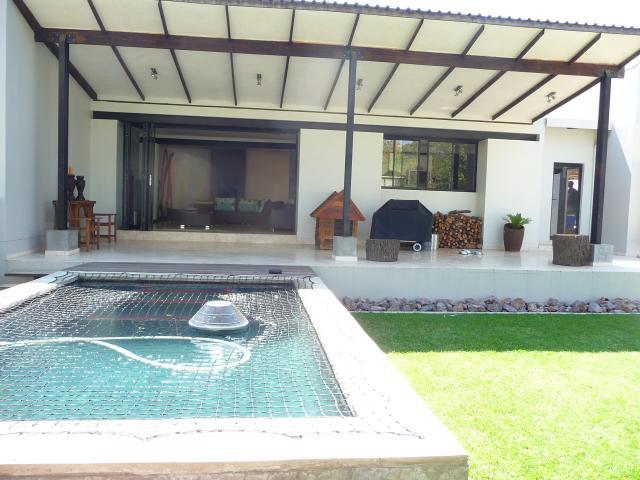 Property For Sale in Craighall Park, Johannesburg 2