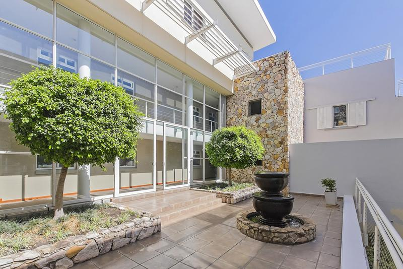 Property For Sale in Craighall Park, Johannesburg 15