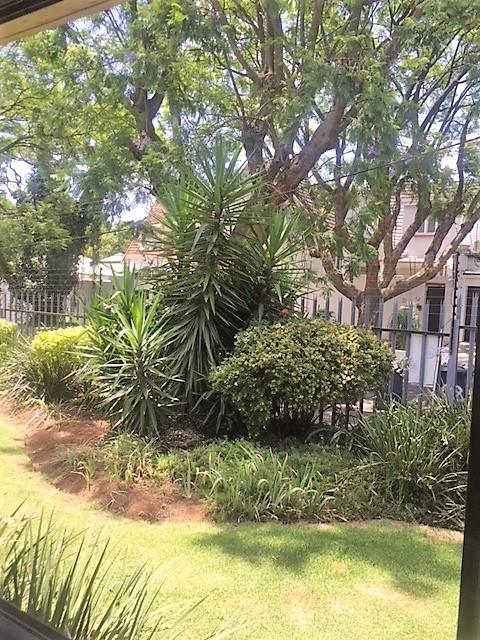 Property For Rent in Parkhurst, Johannesburg 1