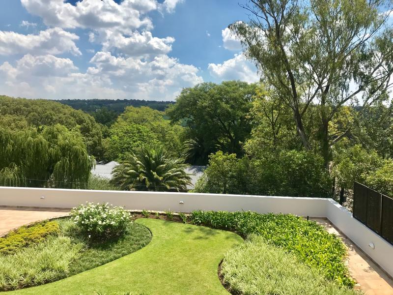 Property For Sale in Craighall Park, Johannesburg 17