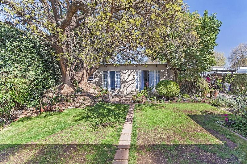 Property For Sale in Parkhurst, Johannesburg 6