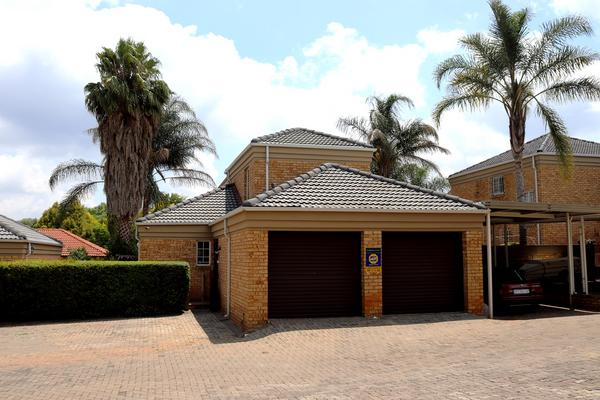 Property For Sale in Weltevredenpark Ext, Roodepoort