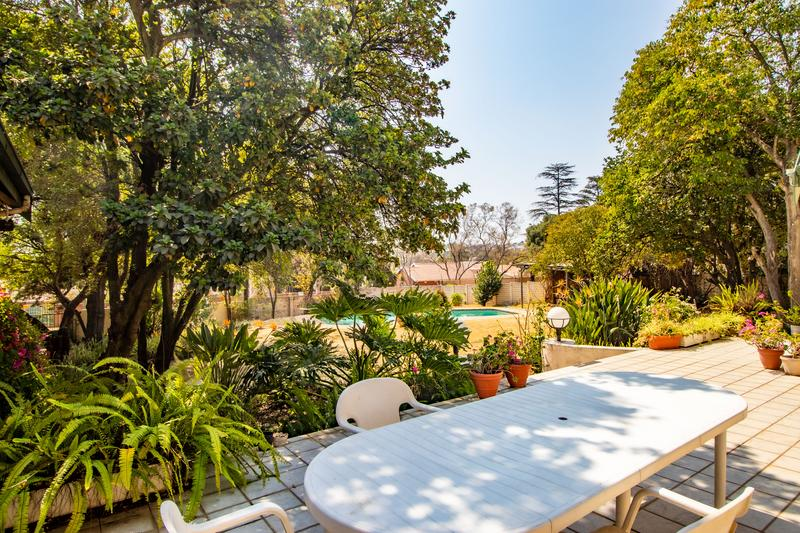 Property For Sale in Gallo Manor, Sandton 3