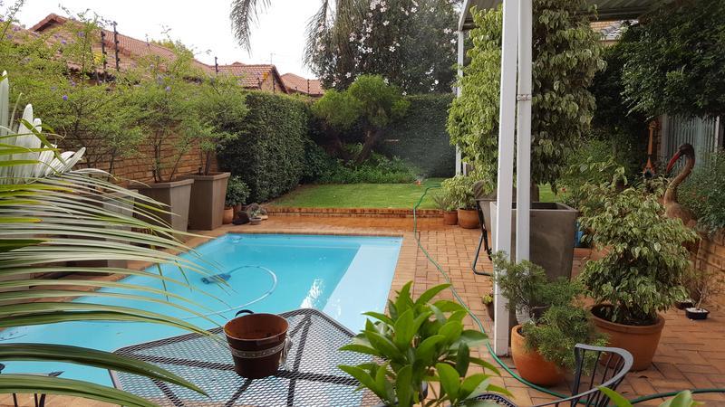 Property For Sale in Weltevredenpark Ext, Roodepoort 3