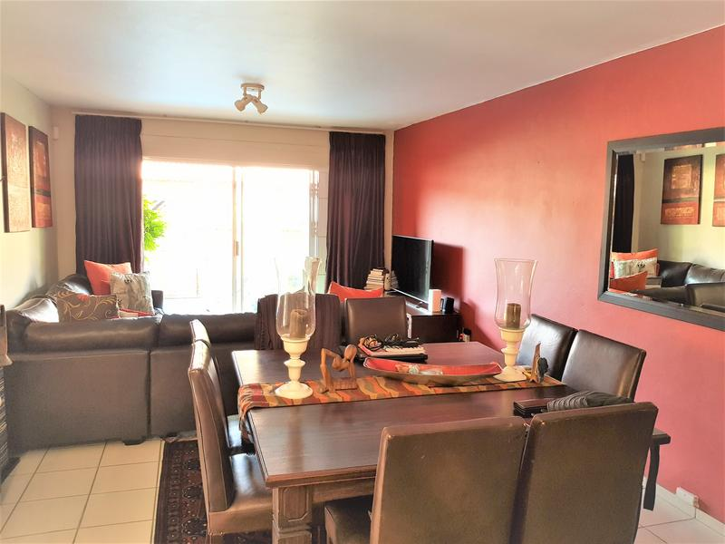 Property For Sale in Weltevredenpark Ext, Roodepoort 5