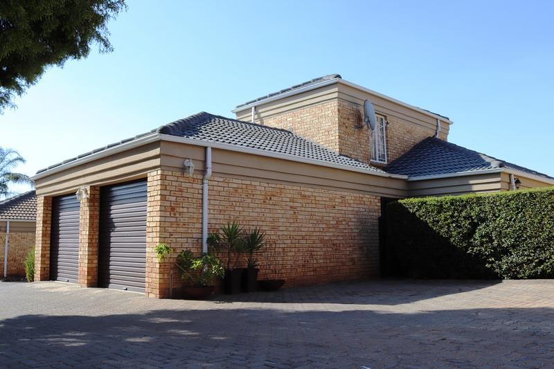 Property For Sale in Weltevredenpark Ext, Roodepoort 2