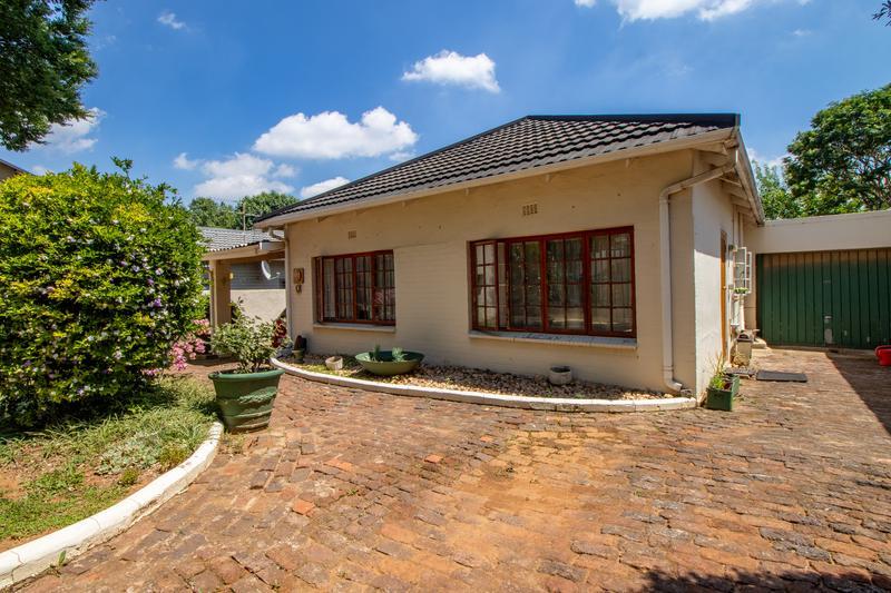 Property For Sale in Parkhurst, Johannesburg 2