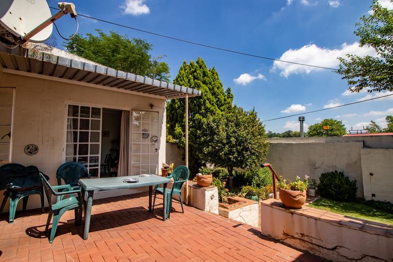 Property For Sale in Parkhurst, Johannesburg 10