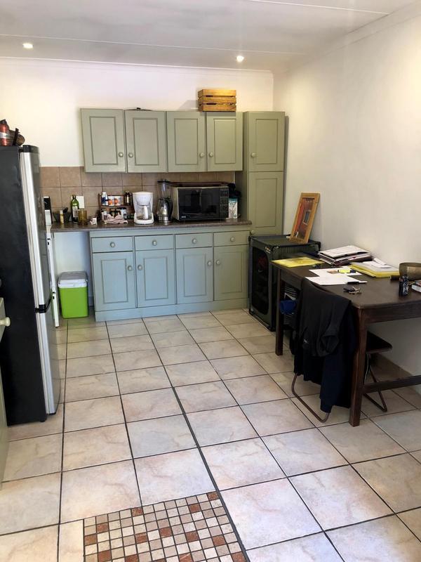 Property For Rent in Parkhurst, Johannesburg 3