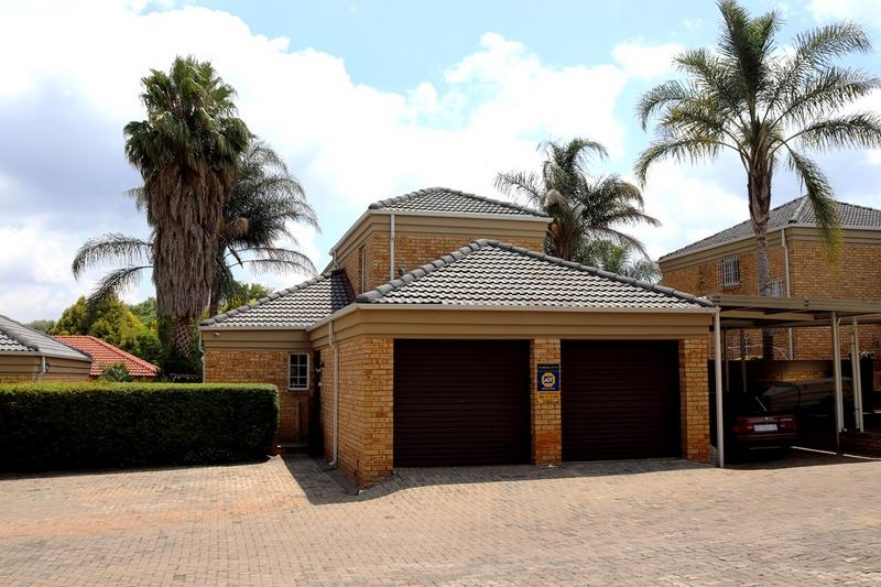 Property For Sale in Weltevredenpark Ext, Roodepoort 1