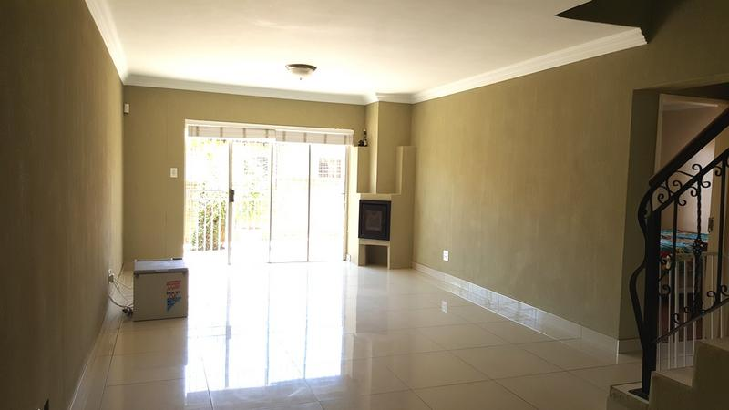 Property For Sale in Weltevredenpark Ext, Roodepoort 8