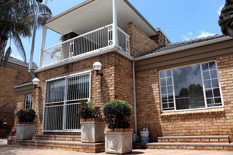 Property For Sale in Weltevredenpark Ext, Roodepoort 3