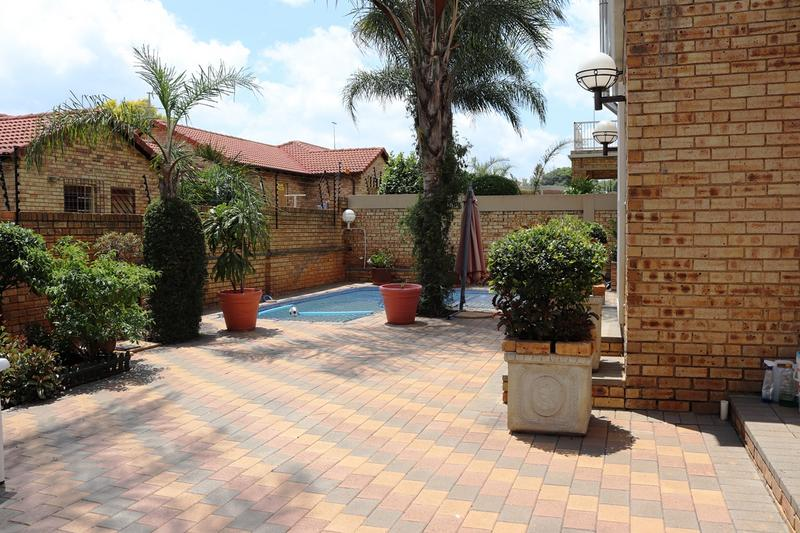 Property For Sale in Weltevredenpark Ext, Roodepoort 5