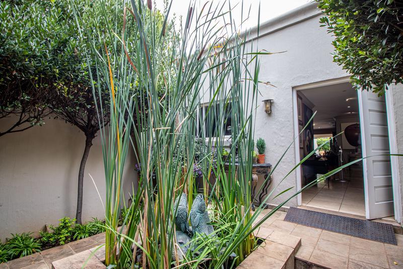 Property For Sale in Parkhurst, Johannesburg 17
