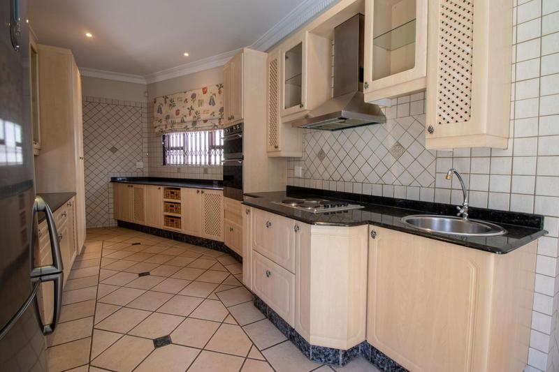 Property For Sale in Hyde Park, Sandton 10