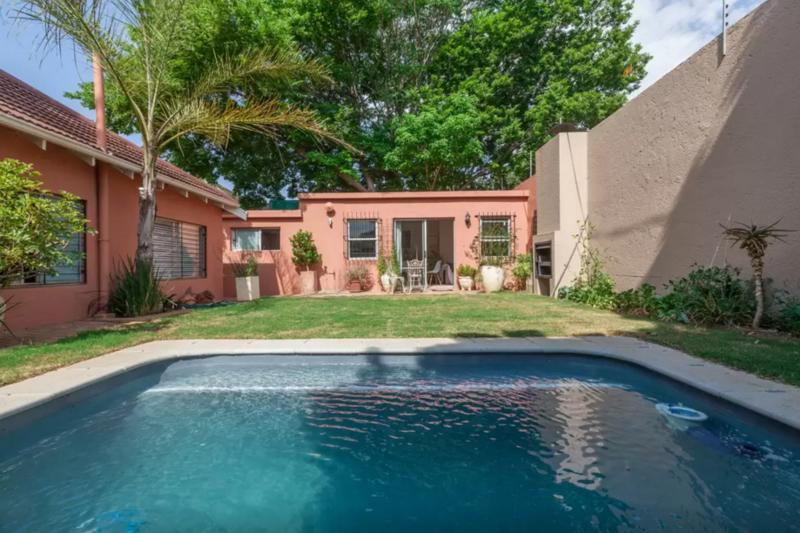Property For Rent in Parkhurst, Johannesburg 8
