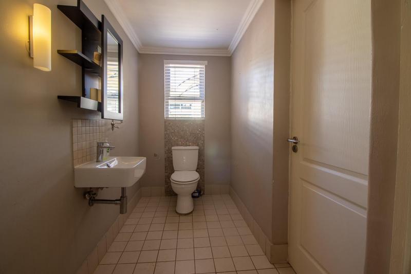 Property For Rent in Parkhurst, Johannesburg 11