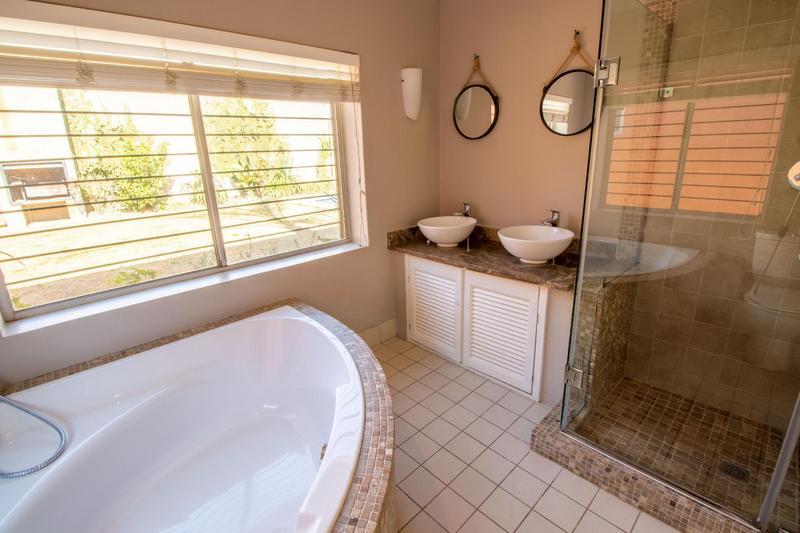 Property For Rent in Parkhurst, Johannesburg 15