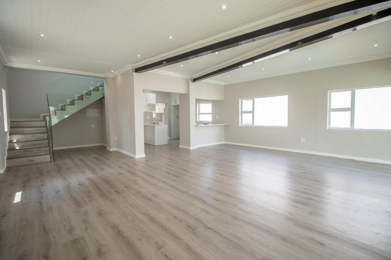 Property For Sale in Parkhurst, Johannesburg 3